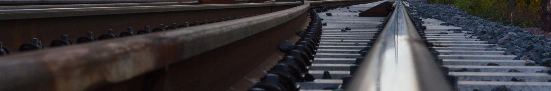 gebogene Schiene, Bahntechnik, Bahnbetrieb,